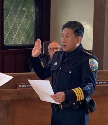 Jason Wu taking the oath of office